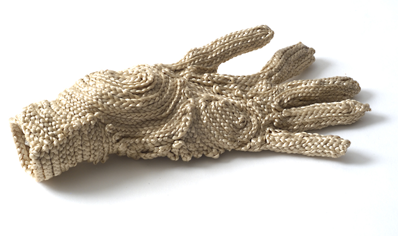 <em>Glove no.1 (blond)</em> – 2006